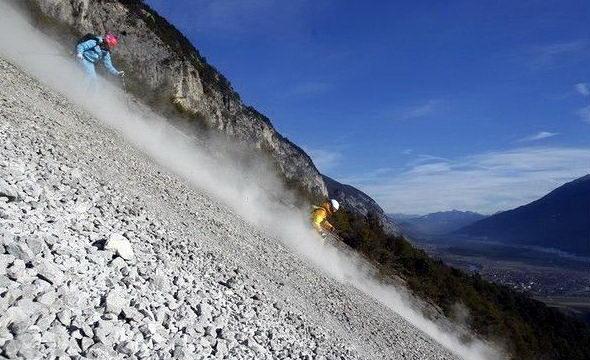 лыжники на камнях экстремальный спуск на лыжах фото суровые лыжники