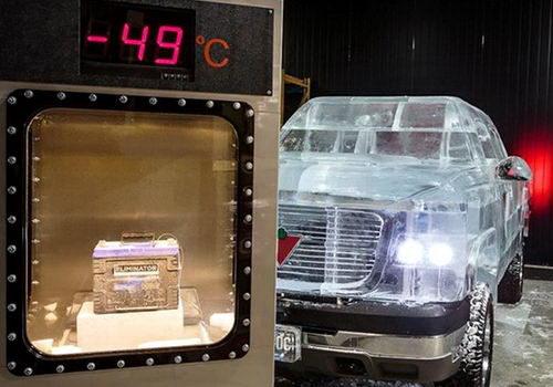 Полностью функциональный грузовик сделанный изо льда 1 dobrosos