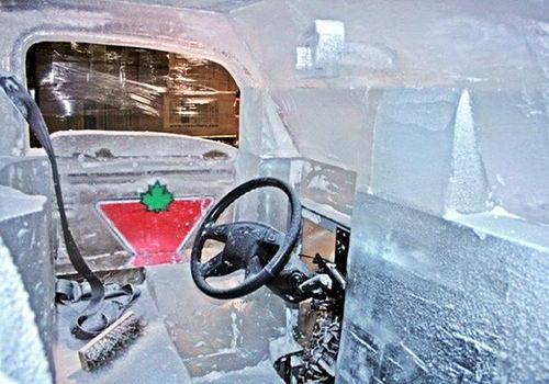 Полностью функциональная грузовик сделанный изо льда 9 dobrosos