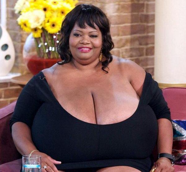 Женщины с самыми большими грудями 03