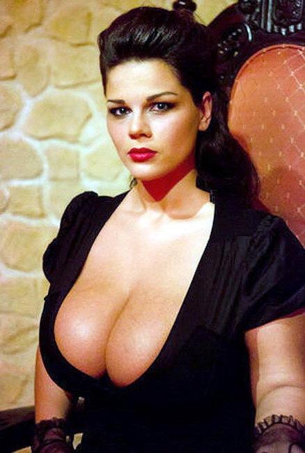 Женщины с самыми большими грудями 19