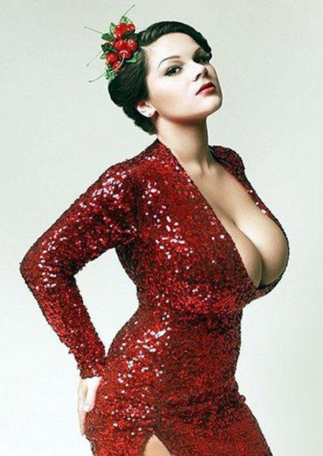 Женщины с самыми большими грудями 20