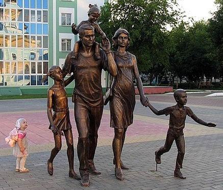 Дети и памятники 06