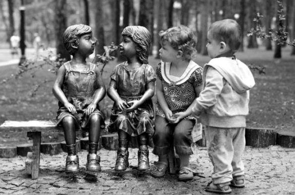 Дети и памятники 10