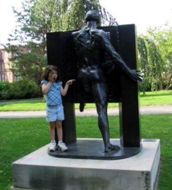 Дети и памятники 16