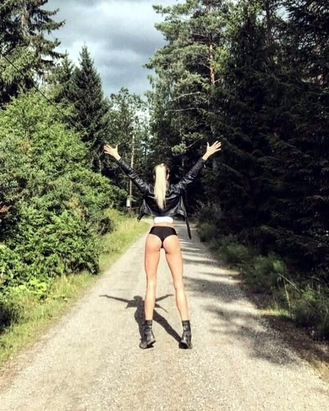самые длинные ноги модели