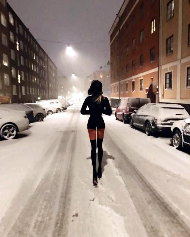 длинноногая шведка