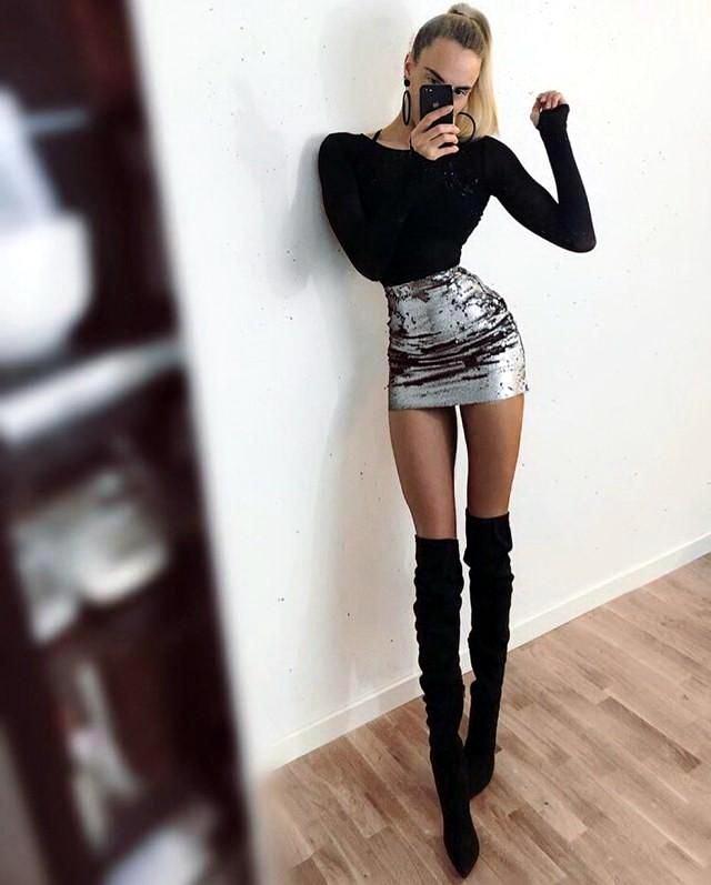 девушка с длинными ногами