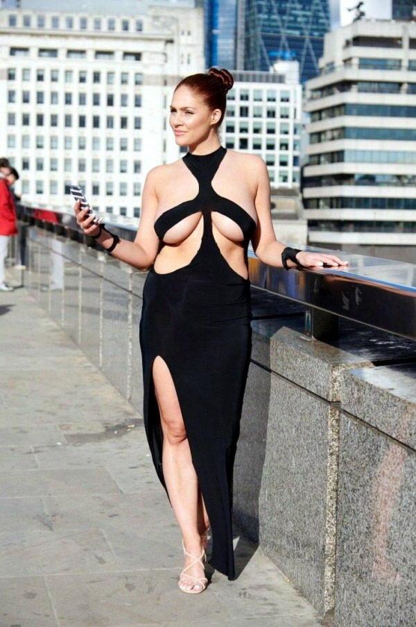 Британка Стефани Барнс из Чешира прошлась по улицам Лондона в платье как у Ким Кардашьян откровенное платье