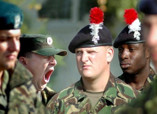 скучно в их армии...