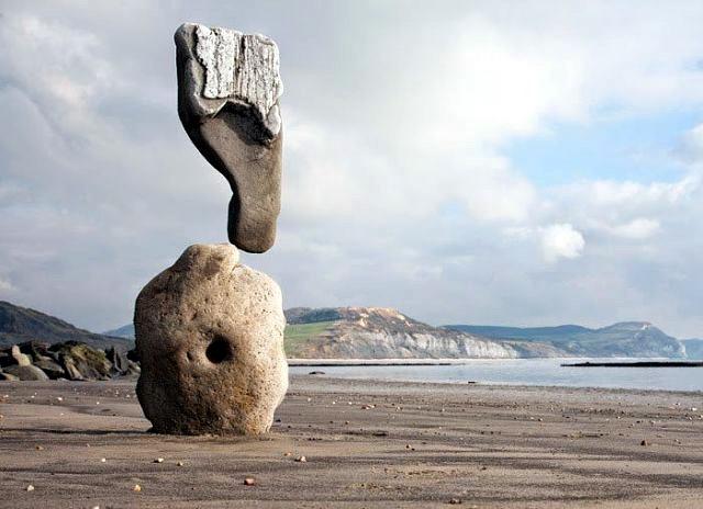 памятники которым не знакомы законы физики скульптуры не действует притяжение