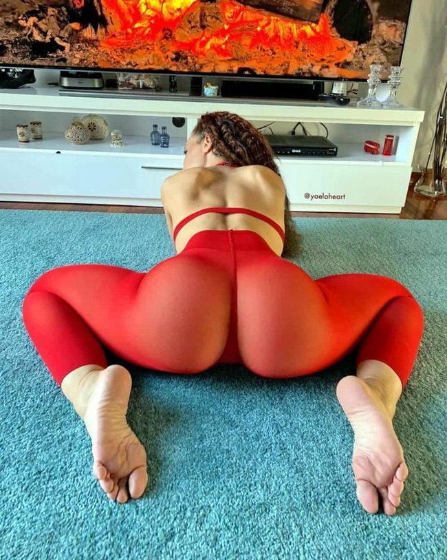аппетитные попы девушек голая попа