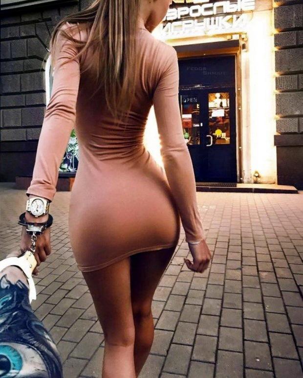 девушки в обтягивающих платьях мини платья фото