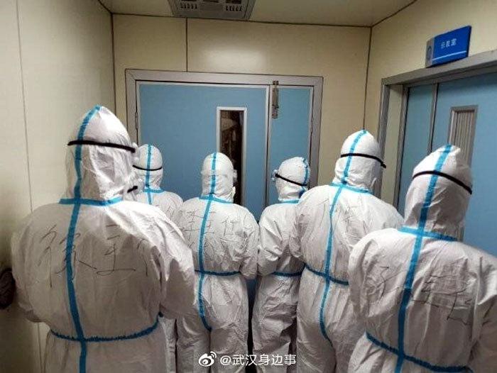 Фото работы медиков в Ухане короновирус фото медперсонал ухань
